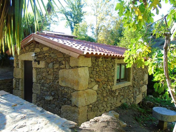 Casa de una habitación en Fermil, Santa Tecla de Basto, con piscina compartida y WiFi