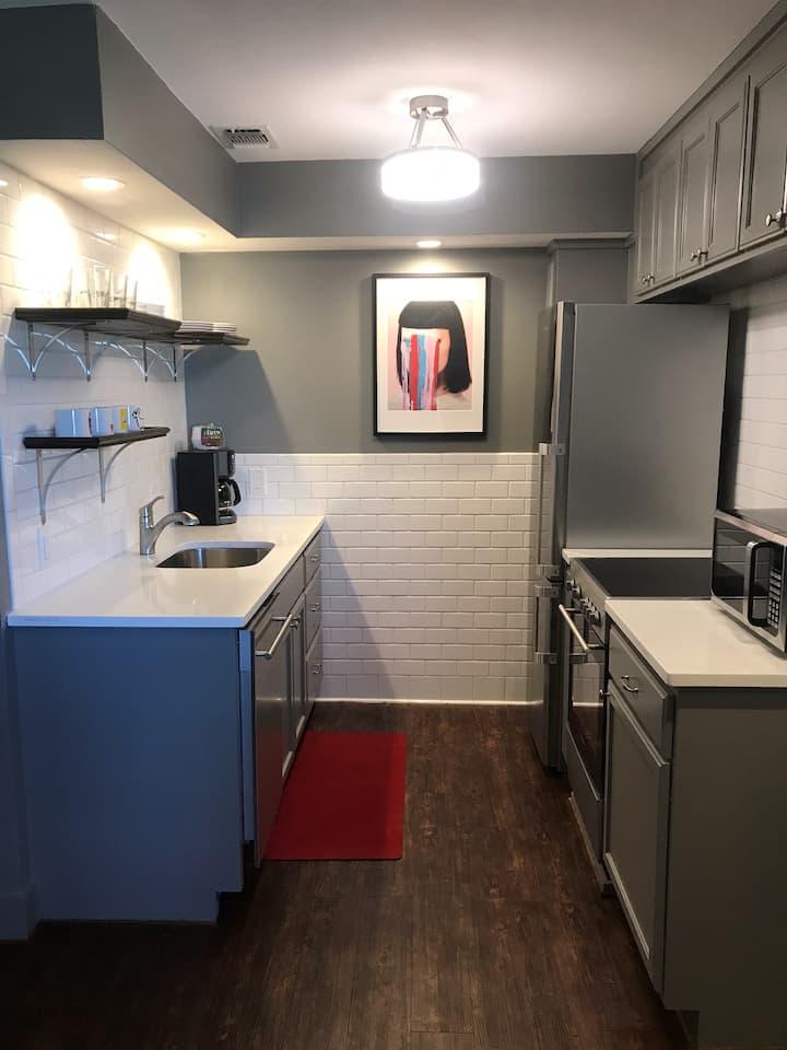 Monthly rental- 3rd floor studio- Modern updates