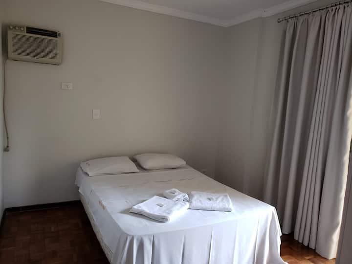Apartamento  Casal (402)- Av. JK com Higienópolis