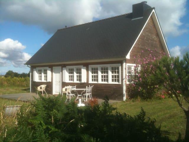 Maison bois à 2km des plages - Matignon - House