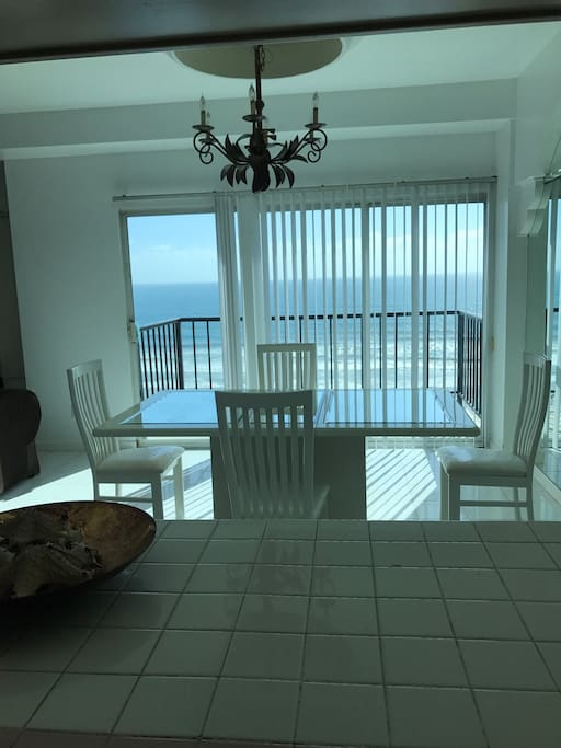Dinning room, first floor balcony with view to the beach and pool