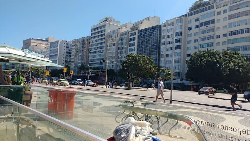Apto 02 quartos Av. Atlântica. - Rio de Janeiro - Apartment