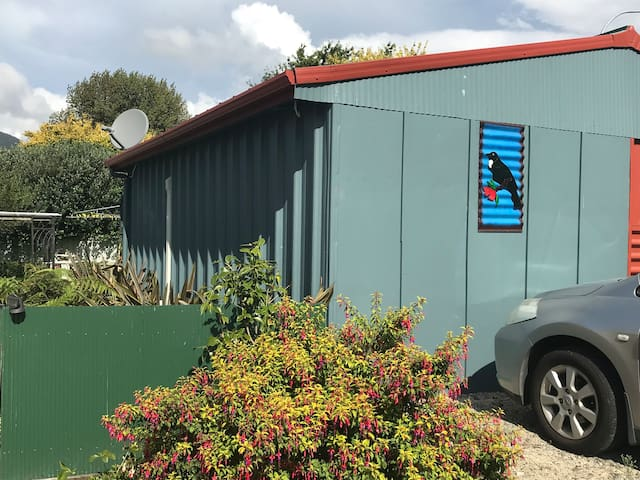 Tui Cottage Kawerau- cntnl b/fast,self catering