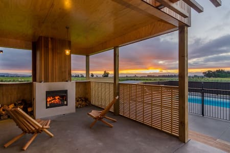 Martinborough self-contained wing in luxury home