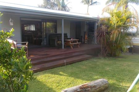 Sawtell Cottage - Sawtell