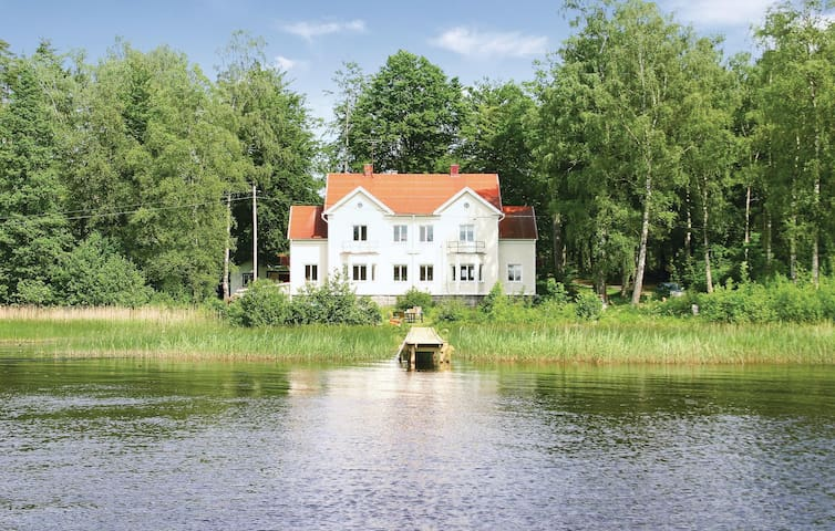 Holiday cottage with 11 bedrooms on 430 m²