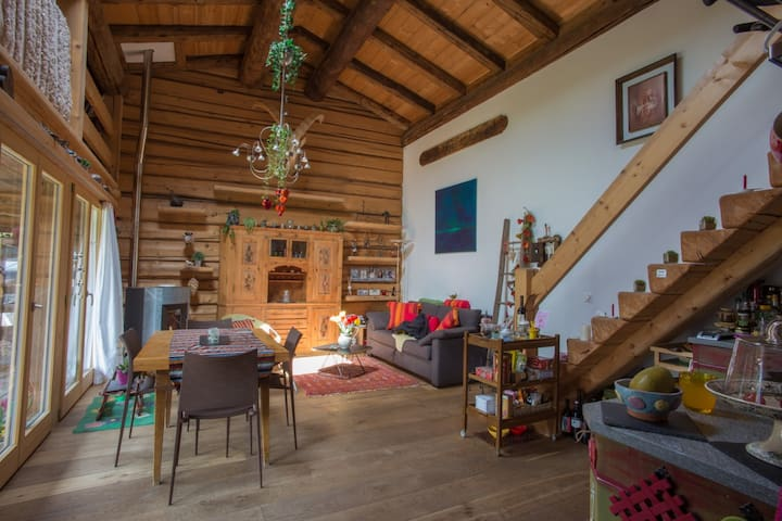 Romantisches Bijou in umgebautem Stall - Klosters Dorf - Dům