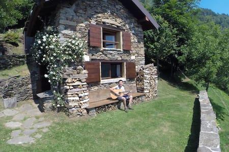 Baita Alpe Aurelio-Hut Lago Maggiore