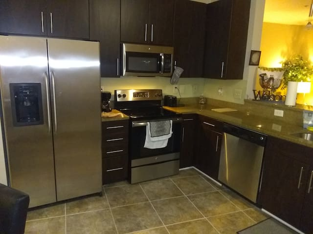 Luxury Apt minutes away from Mercedes Benz Stadium