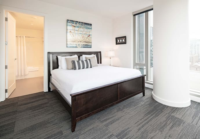 Phenomenal Two Bedroom at Park Avenue West!