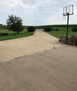 Driveway for overnight parking/camp near I380/I80