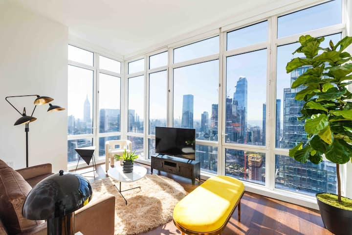 2 BR Luxury Penthouse (Views on Views) RATED # 1