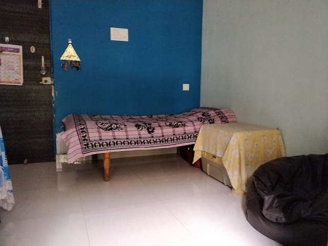 Beautiful place to stay in thane for females only