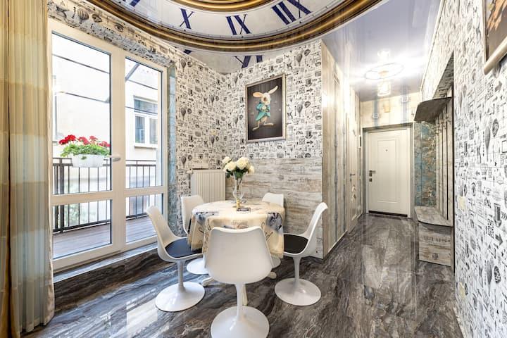 Vintage-style 2 bedroom flat on Br.Rohatyntsiv str
