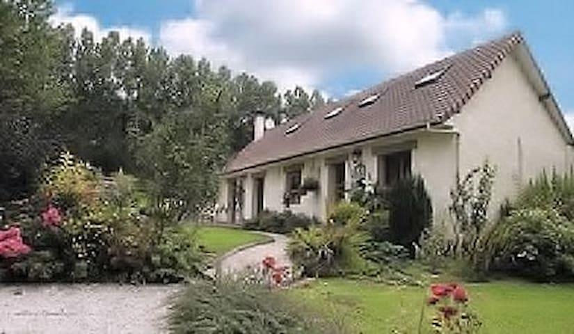 maison de campagne - Caumont - Hus