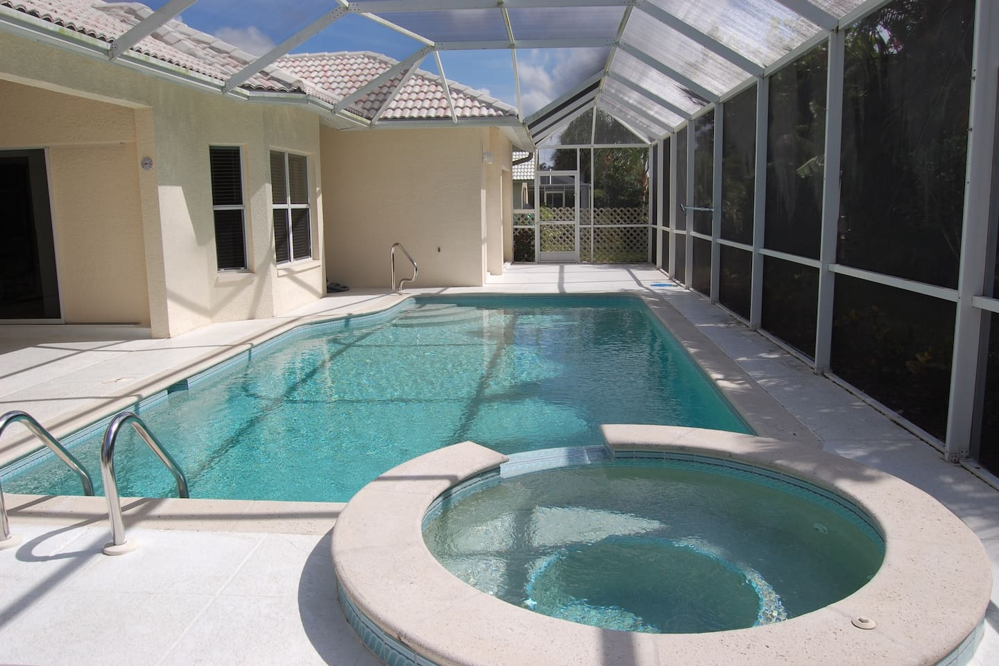 Private pool and spa and oversized lanai!