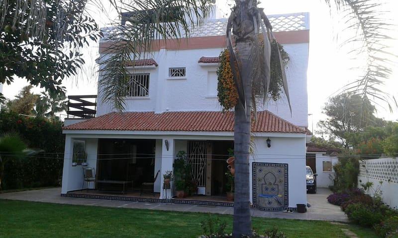 Beautiful villa in sunny Morocco, near Rabat - Skhirat - Cabaña