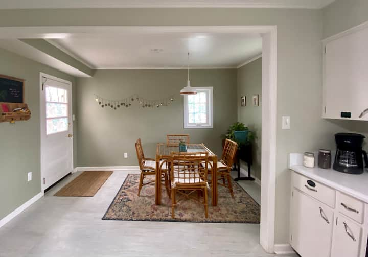 Feel at Home - Less than 10mins to Downtown AVL!