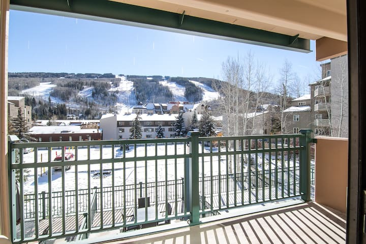 Vail Condo w/ Pool & Hot Tubs