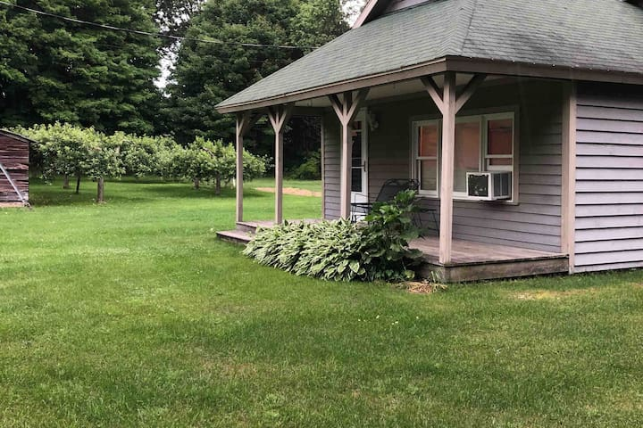 Guest House Close to Lake Michigan Beaches