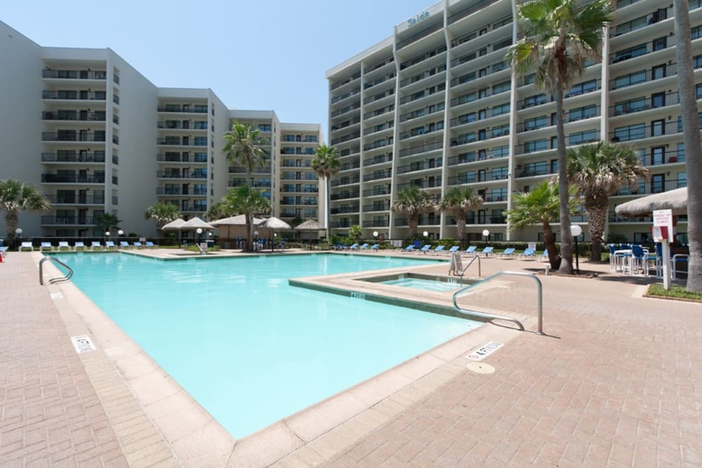 Big And Roomy 3 Bedroom Beachfront Condominiums For Rent In South Padre Island Texas United