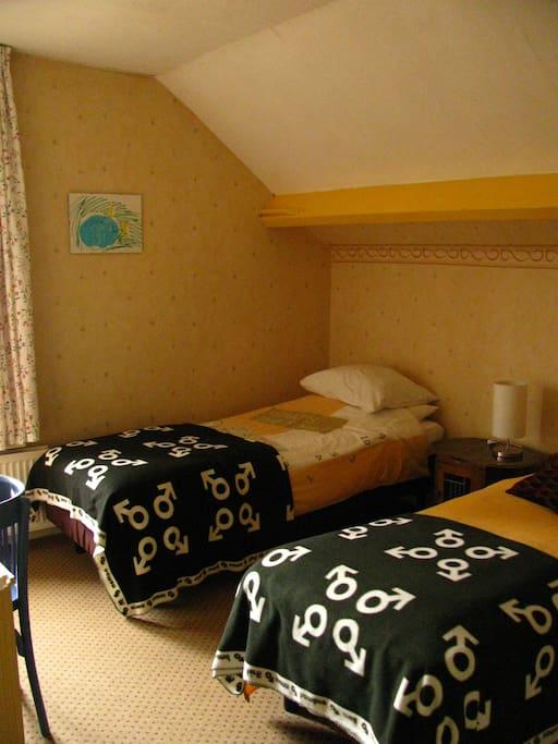 Nr. 2 Slaapkamer (2e verdieping)