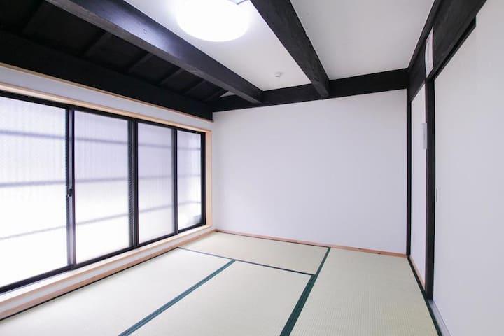 和室 (Tatami room)