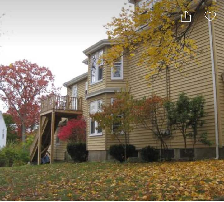 3BR Two families house in Newton / Free Parking