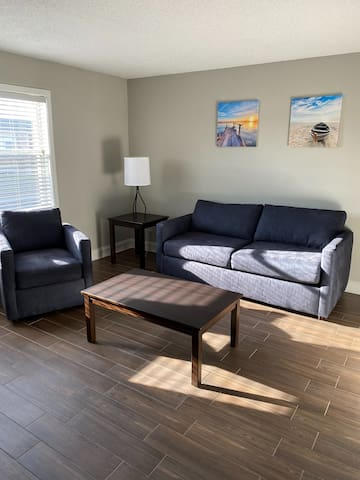 Entire 2BR Apt 0.7 miles from the beach!!!