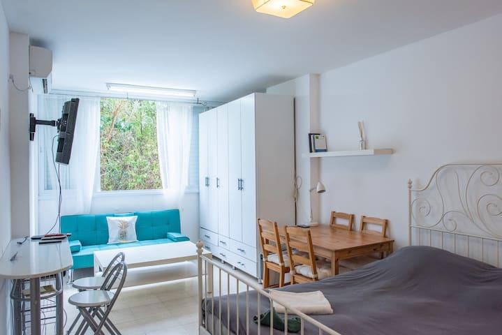 Herzliya Pituach Beach Suite