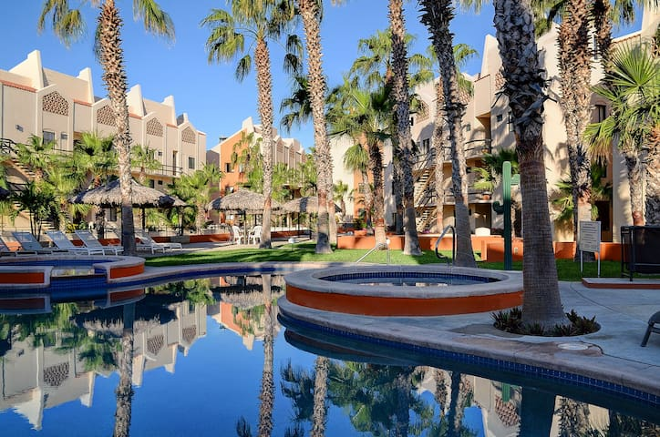 Springtime Promo! Steps to Beach & Historic Center - San José del Cabo - Appartement en résidence