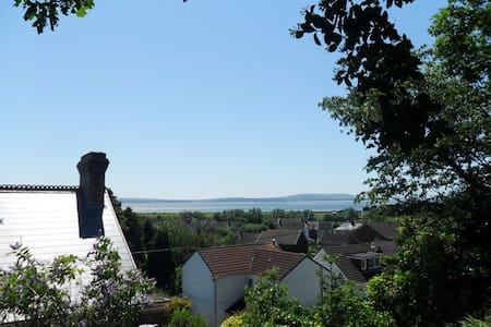 A room with a view, Pwll, Carms, sea view, s/k/bed
