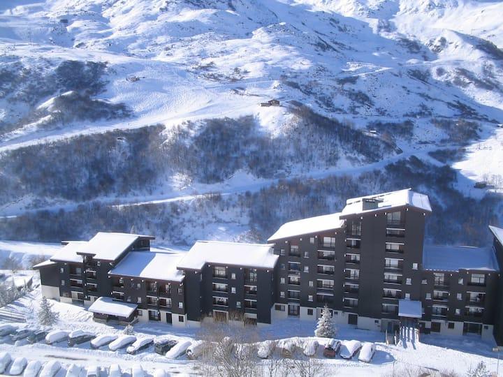 Appartement 6 pers aux Menuires skis aux pieds