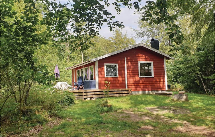 Holiday cottage with 2 bedrooms on 51m² in Hörby