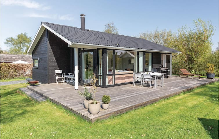 Holiday cottage with 3 bedrooms on 73m² in Slagelse