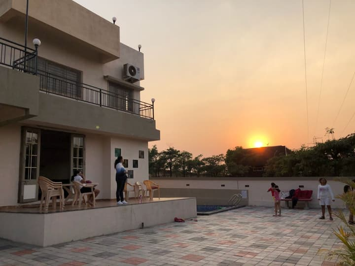 Vue'Villa-Spacious Luxurious Pool Villa@igatpuri