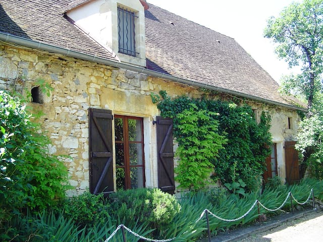 Gorgeous cottage in the Dordogne valley