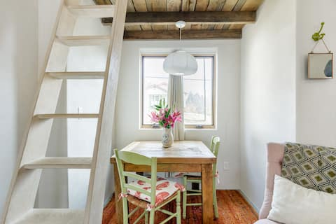 Romantic, Moroccan-Influenced Cottage