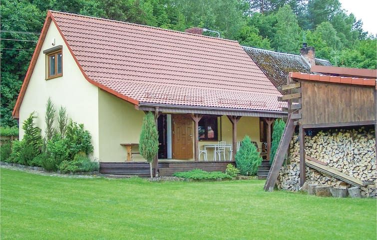 Semi-Detached with 2 bedrooms on 110m² in Krzynia