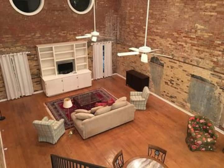 Old Rex Loft BnB Suite B (check suite A)