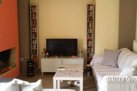 Athens south suburbs cosy apartment - Notios Tomeas Athinon