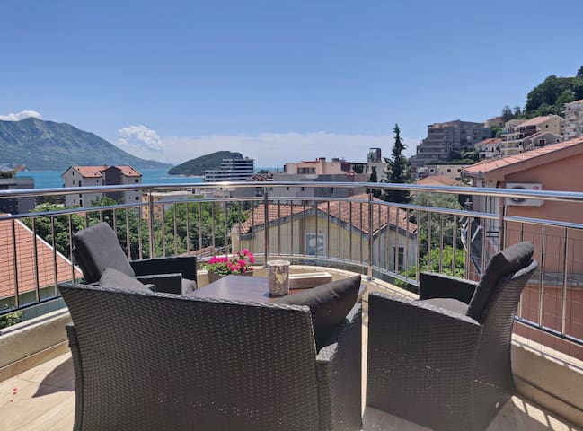 Pavlina Lux Three-bedroom Apartment with terrace and sea view Nº8
