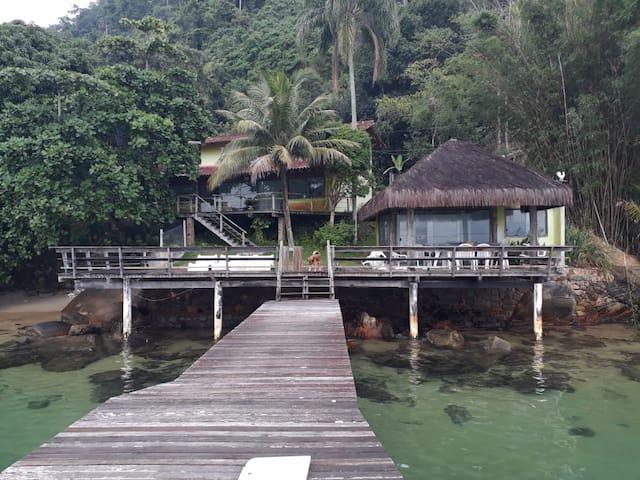 Casa na Ilha da Gipoia/ Angra dos Reis/ RJ