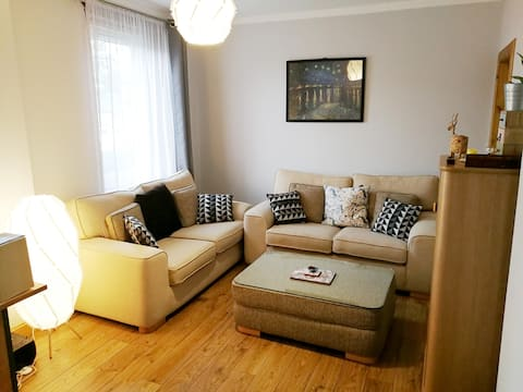 Newly Refurbished Entire Flat Near City Centre