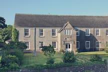 Lanyon Manor