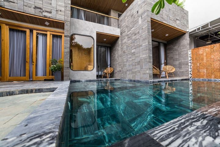 Greenish villa in My Khe beach with pool and sauna