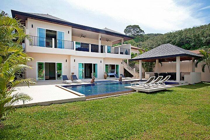 Villa Yok Kiao | Staffed 6 Bed Pool Villa Phuket