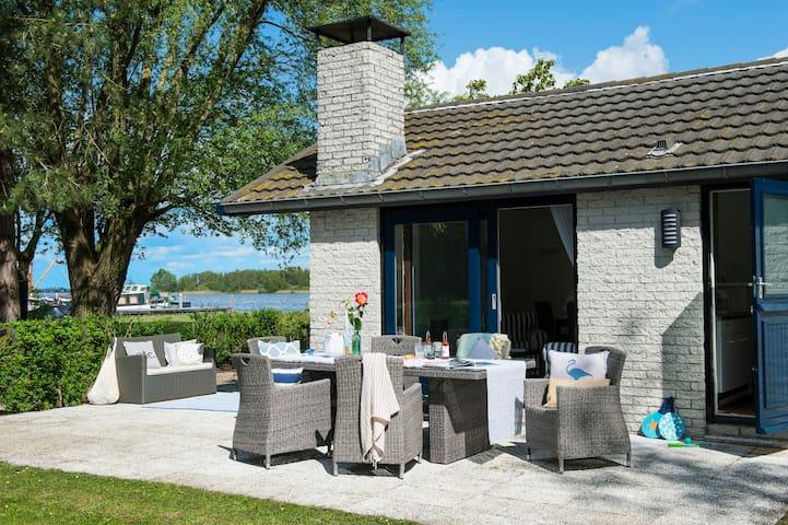 Amsterdam loosdrecht bungalow b3 case in affitto a for Case affitto amsterdam economici