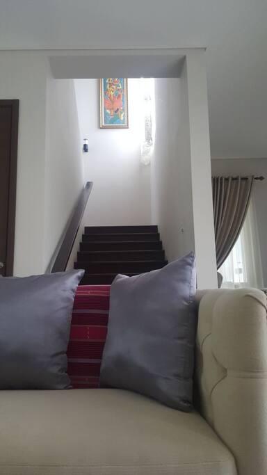 tangga menuju lantai 2