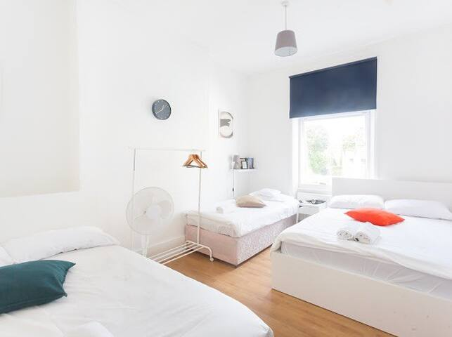 GREAT ROOM FOR 5P IN ISLINGTON